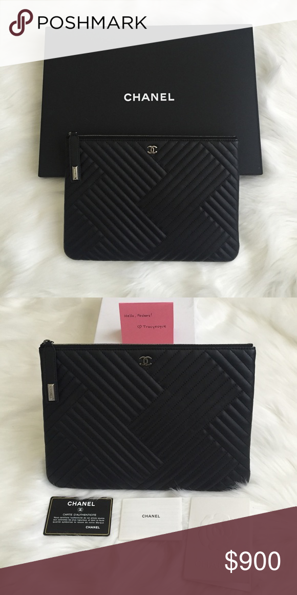 4b1fe68be0c6d7 Chanel O-Case (Clutch) Agneau, Black A case as expensive as your iPad, but  it's indispensable if you love everything Chanel - the Chanel O Case  +Details ...
