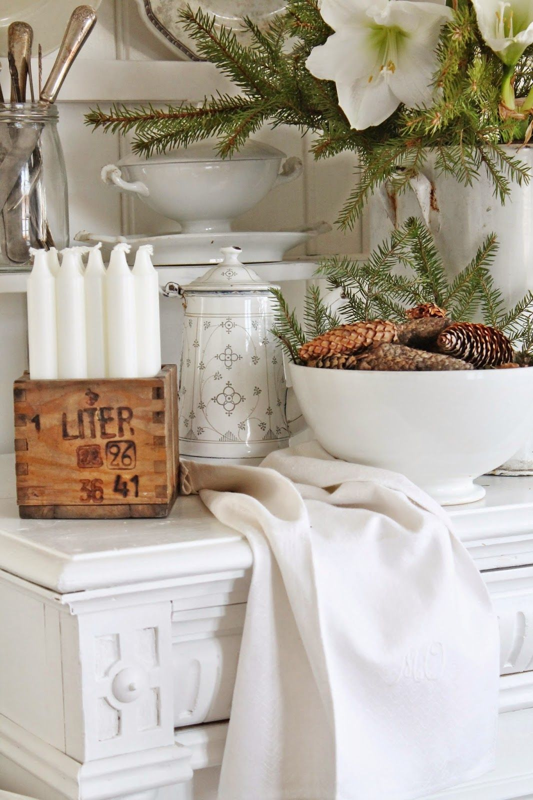vibeke design beautiful winter white vibeke. Black Bedroom Furniture Sets. Home Design Ideas
