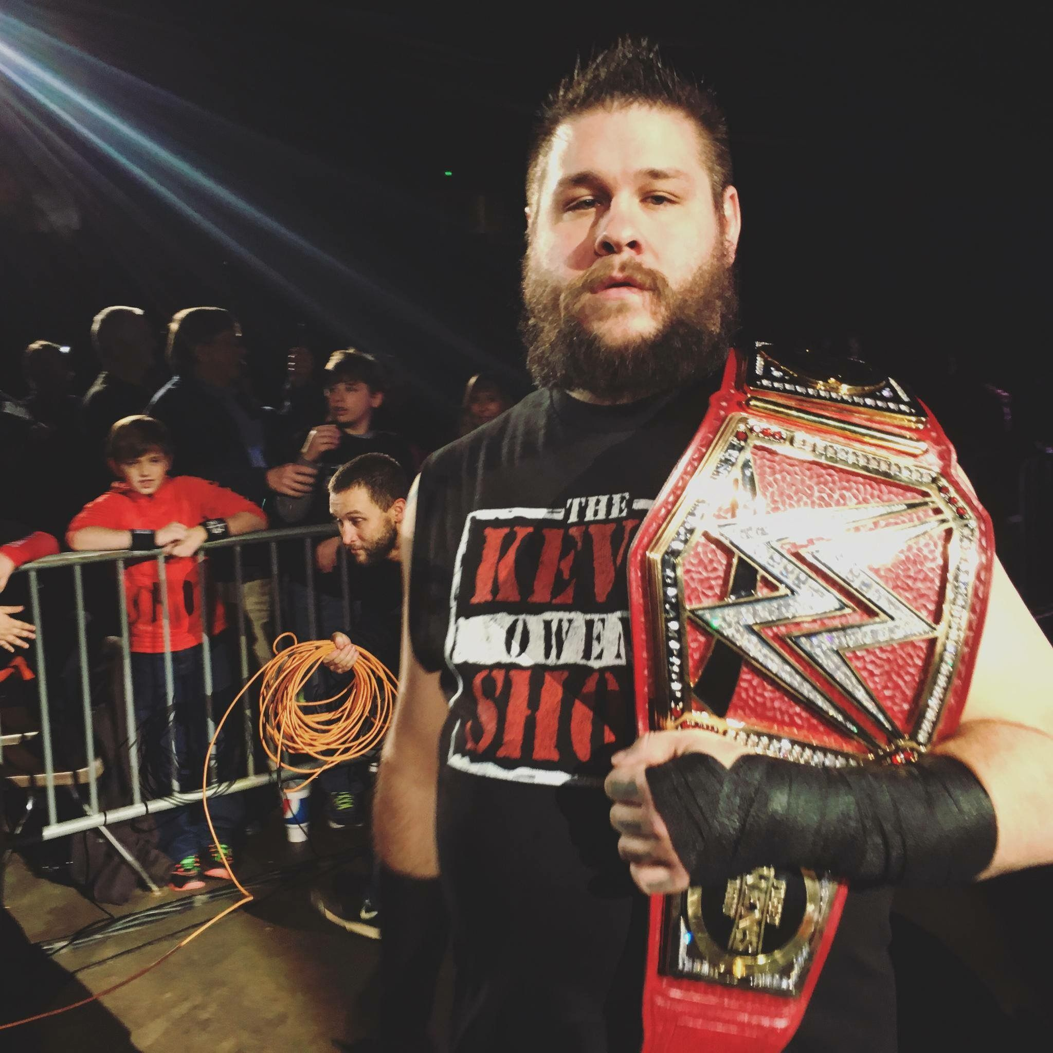 ⠀⠀▸ Kevin Owens┋ @FightOwensFight ╱ OFFICIAL TWITTER ACCOUNT! ✔ B2ee55191e061922fbdcebb5220d875b