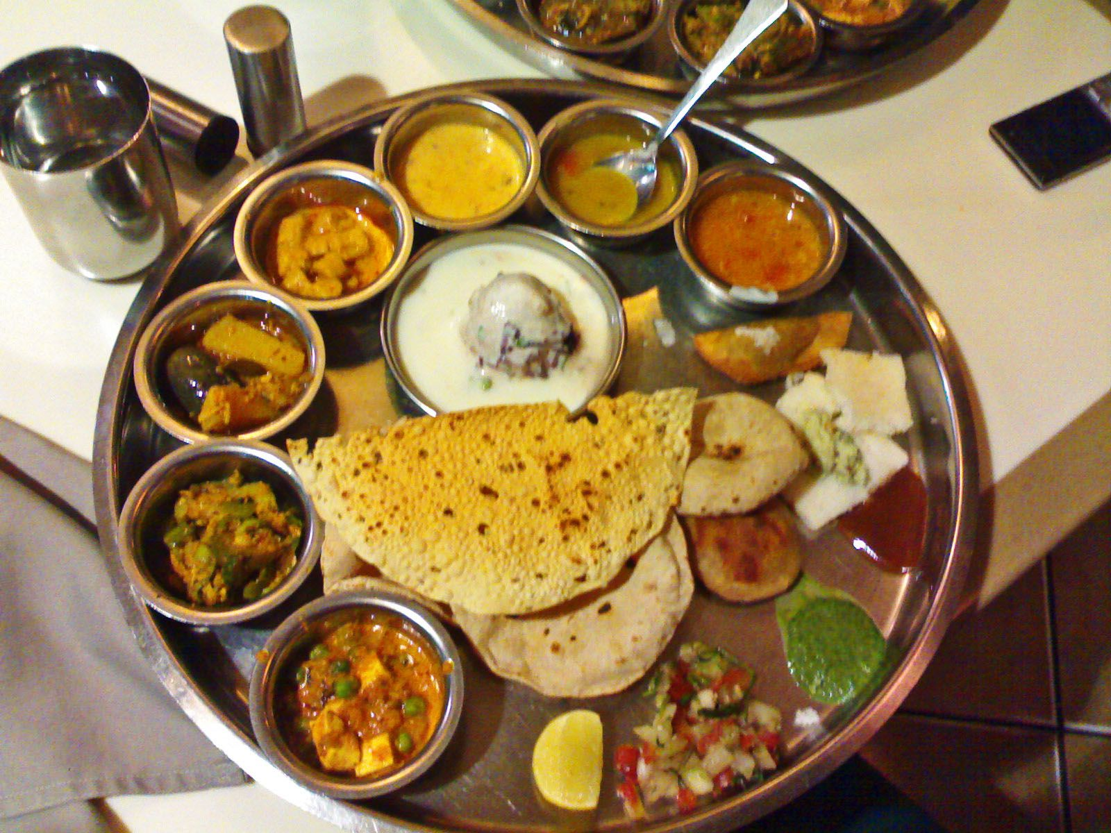 Poppadom accompaniments indian thali typical indian vegetarian food forumfinder Images