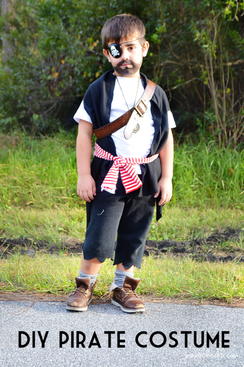 Shiver Me Timbers, These DIY Pirate Halloween Costumes Are Ridiculously Easy to Make #diypiratecostumeforkids