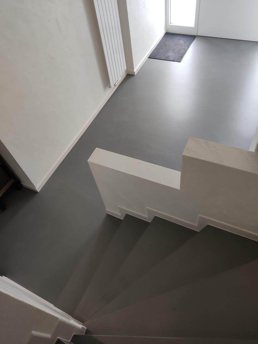 Beton Cire Treppe In 2020 Fliesentreppe Treppe Fliesen Treppe