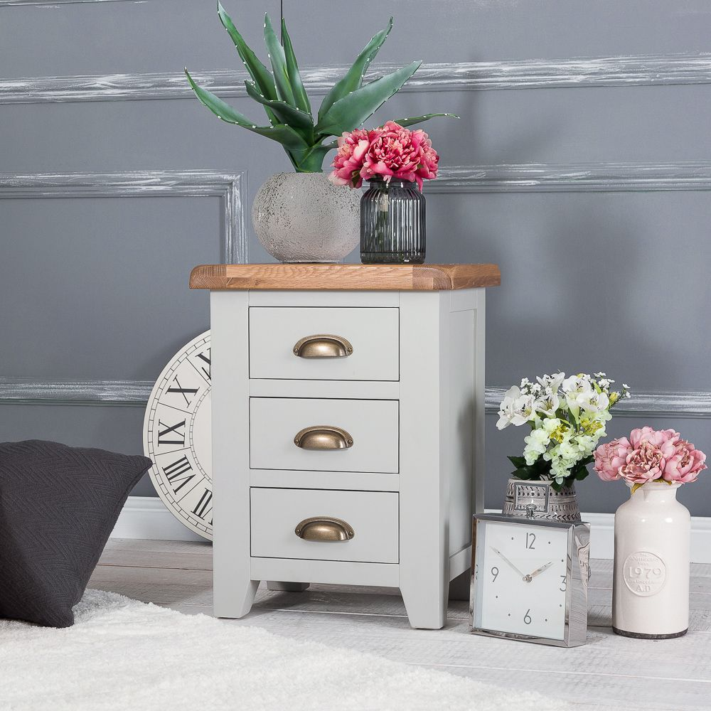 Hampshire Grey Painted Oak Large 3 Drawer Bedside Table in ...