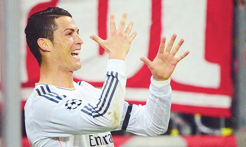 More celebrating Cristiano; Bayern Munich 0 Real Madrid 4 (29/4/2014)