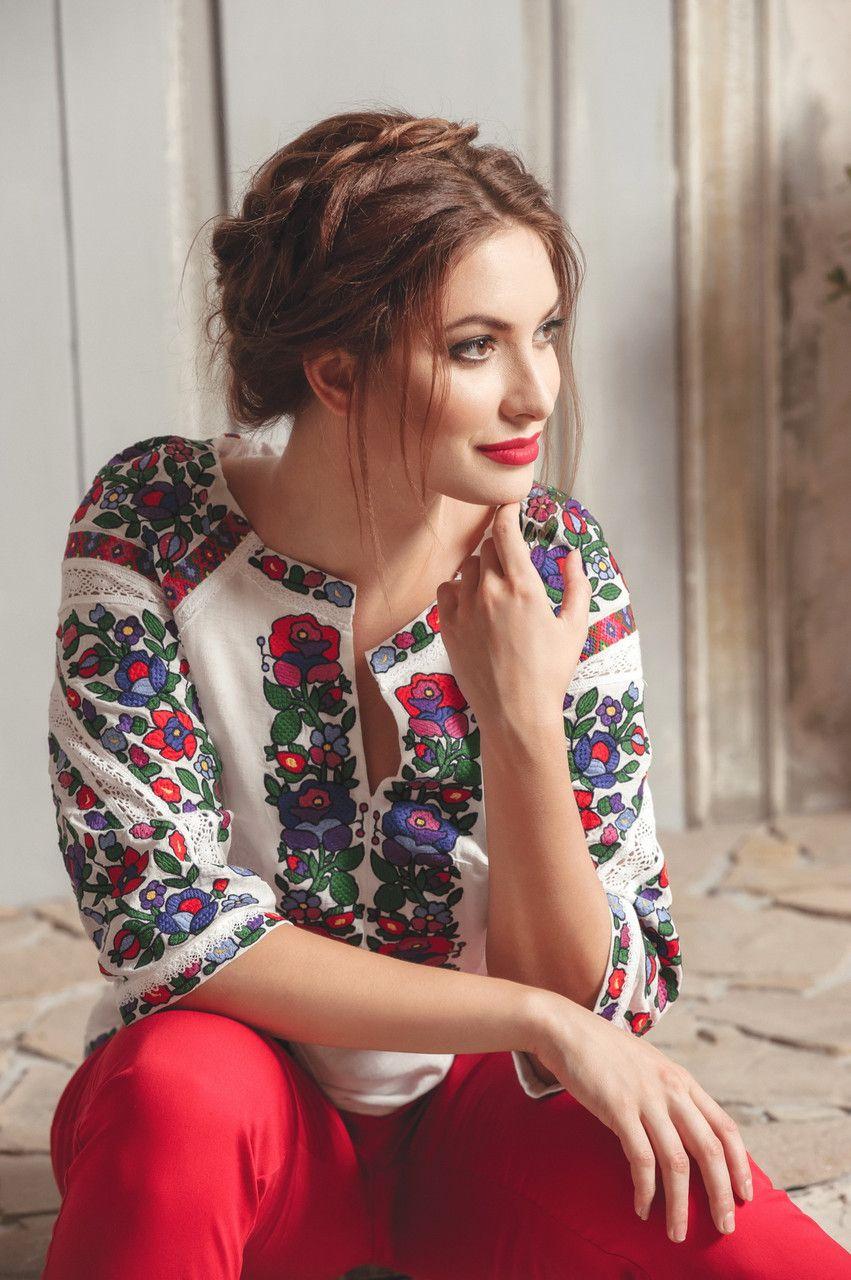 Блуза вишиванка від дизайнера. Подробная информация о товаре услуге и  поставщике. Цена и 411de7587fbc2