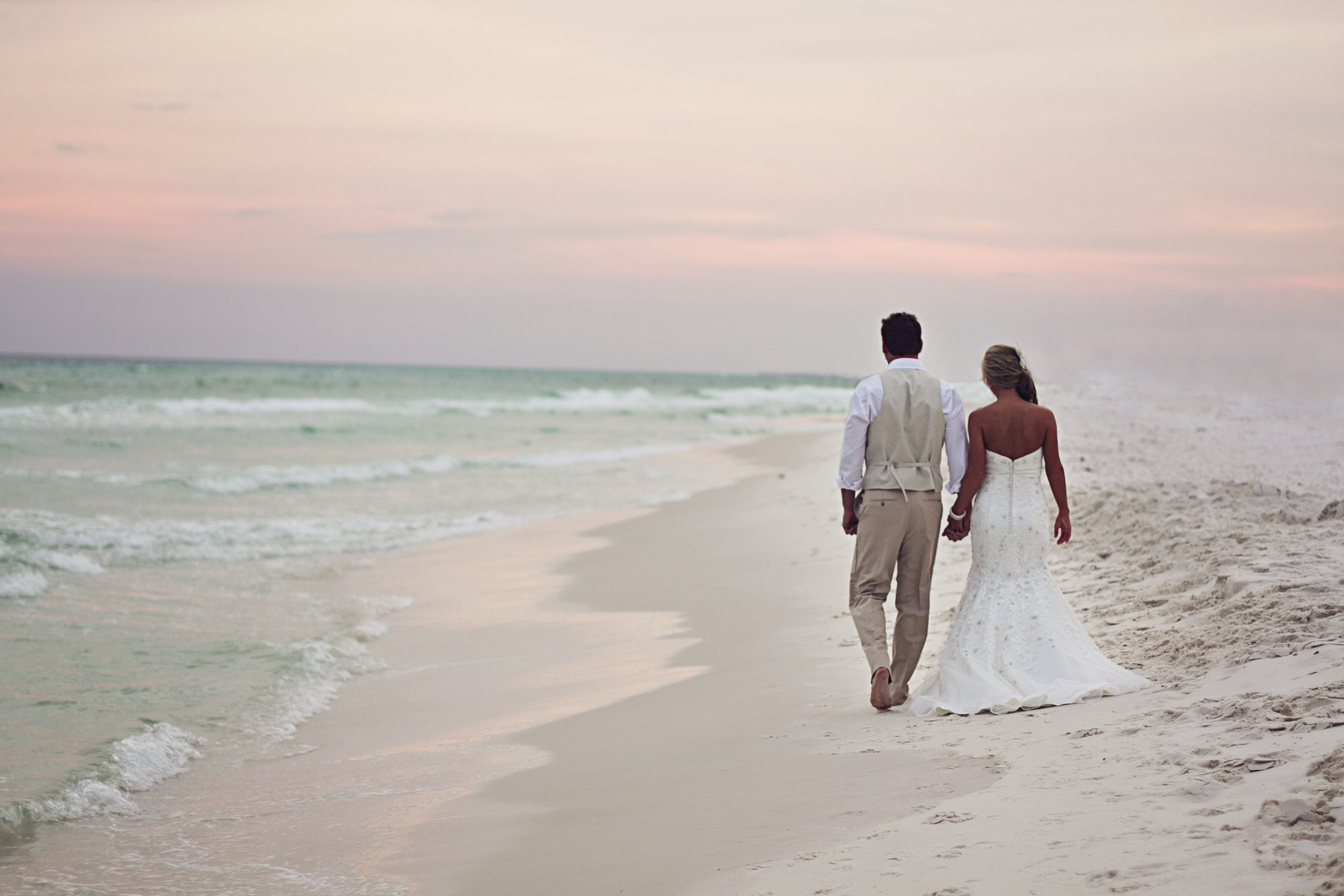 Love. Beach. Wedding
