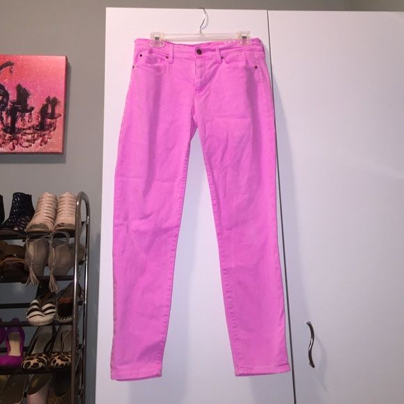 Gap 1969 Neon Pink Legging Jean Bright pink legging jeans. Stretchy! Ankle length. Perfect condition. GAP Jeans