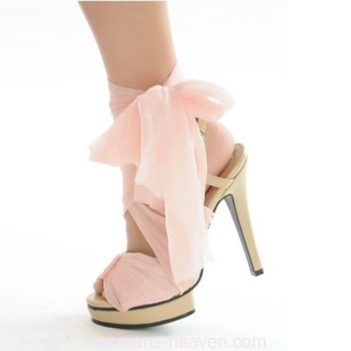 Pink heels picture,heels,fashion, high heels, image, moda, photo, pic, pumps, shoes, stiletto, style, women shoes http://www.womans-heaven.com/pink-heels-picture-8/