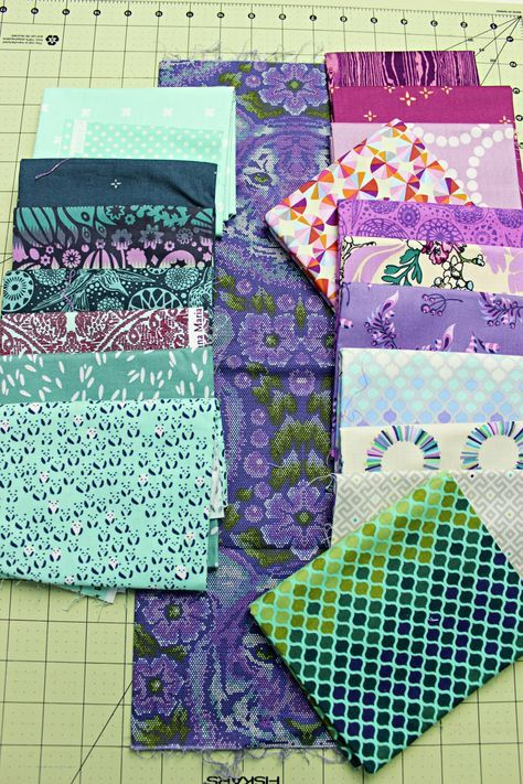 How To Mix and Match Fabrics for A Quilt | Quilting ...