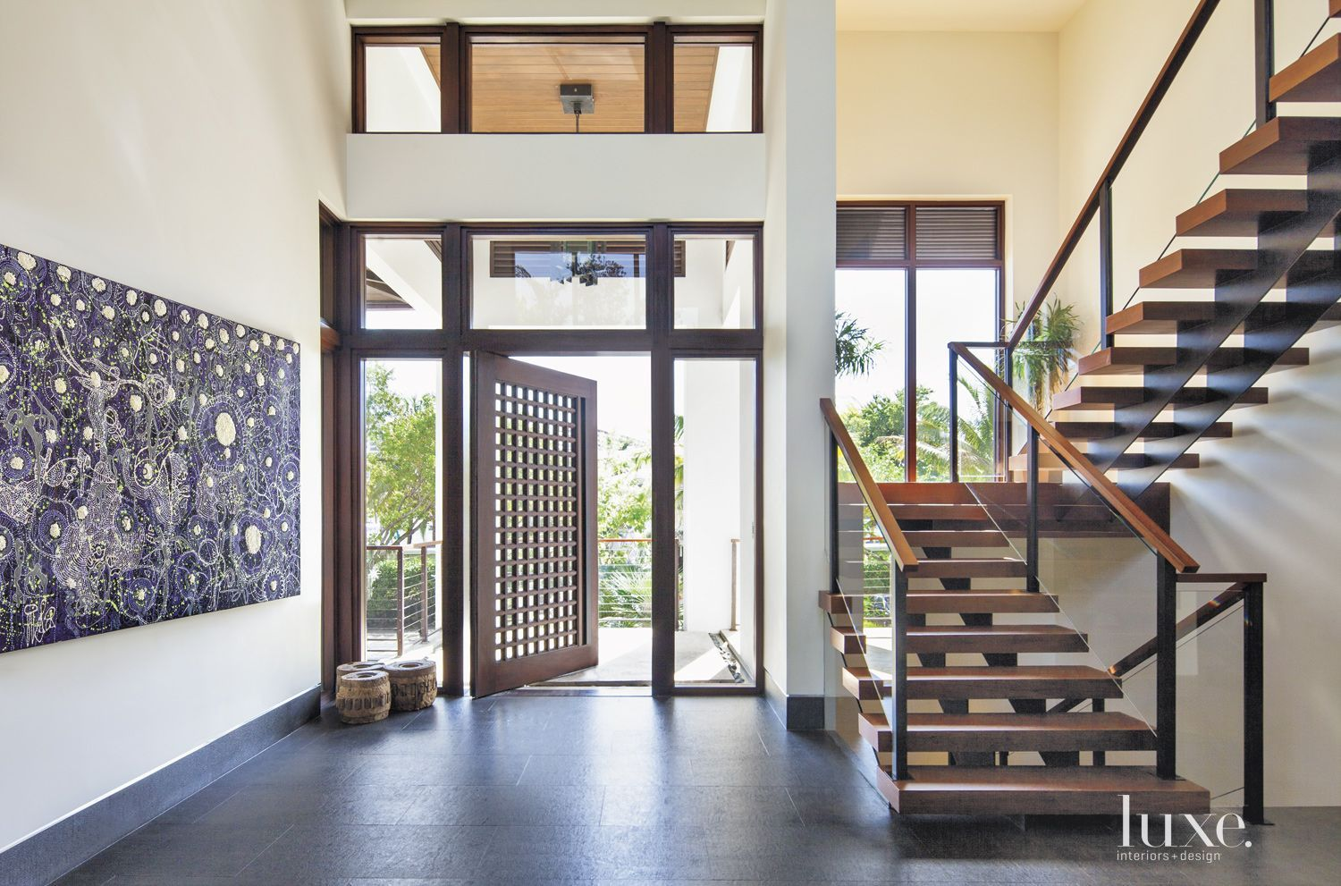 Modern Entry Foyer : Large scale black & white artwork compliments the modern entry