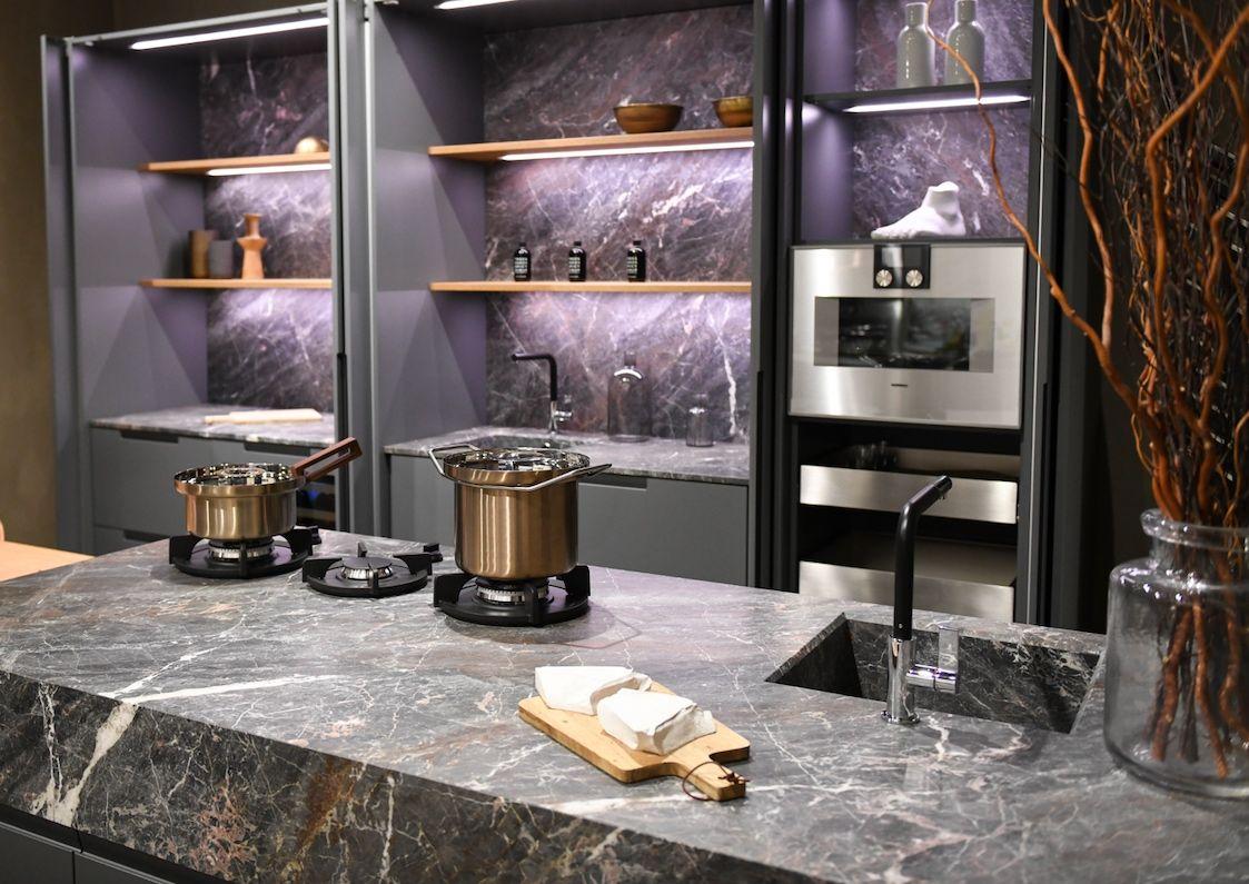 Display Sale Cesar Nyc Kitchens Cesar Kitchen Display Sale 2019 Kitchen Display Gourmet Kitchen Design Kitchen Models
