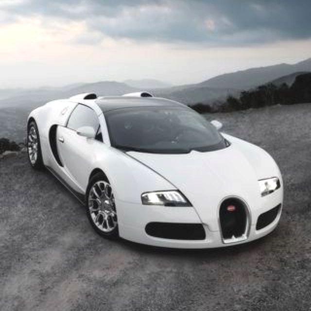 Koenigsegg Ccxr Vs Bugatti Veyron: Bugatti Veyron I Would Love To See One Of These.