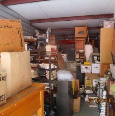 10x30 Storageauction In Daytona Beach 0611e Lien Sale Storage Auctions Storage Home Decor