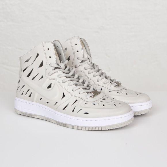 HOST PICK! Nike