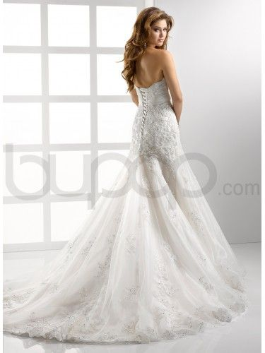 Dress And And Lace Embellished Neckline Sweetheart Line Fit Tulle Soft Wedding Flare