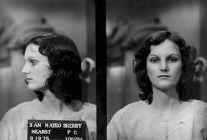 This week in #boomer history - Feb. 3-9: The Symbionese Liberation Army kidnaps Patty Hearst, granddaughter of newspaper baron William Randolph Hearst, in Berkeley, Calif. She's photographed robbing a bank with the SLA in April, arrested in September 1975 and convicted. #boomers50