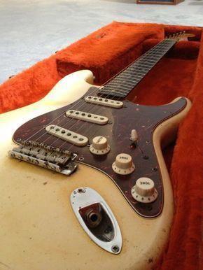 13 Awesome Fender Guitar Iphone Case Fender Guitar Deluxe Stand #guitarstagram #guitarplayer #FenderGuitars #fenderguitars