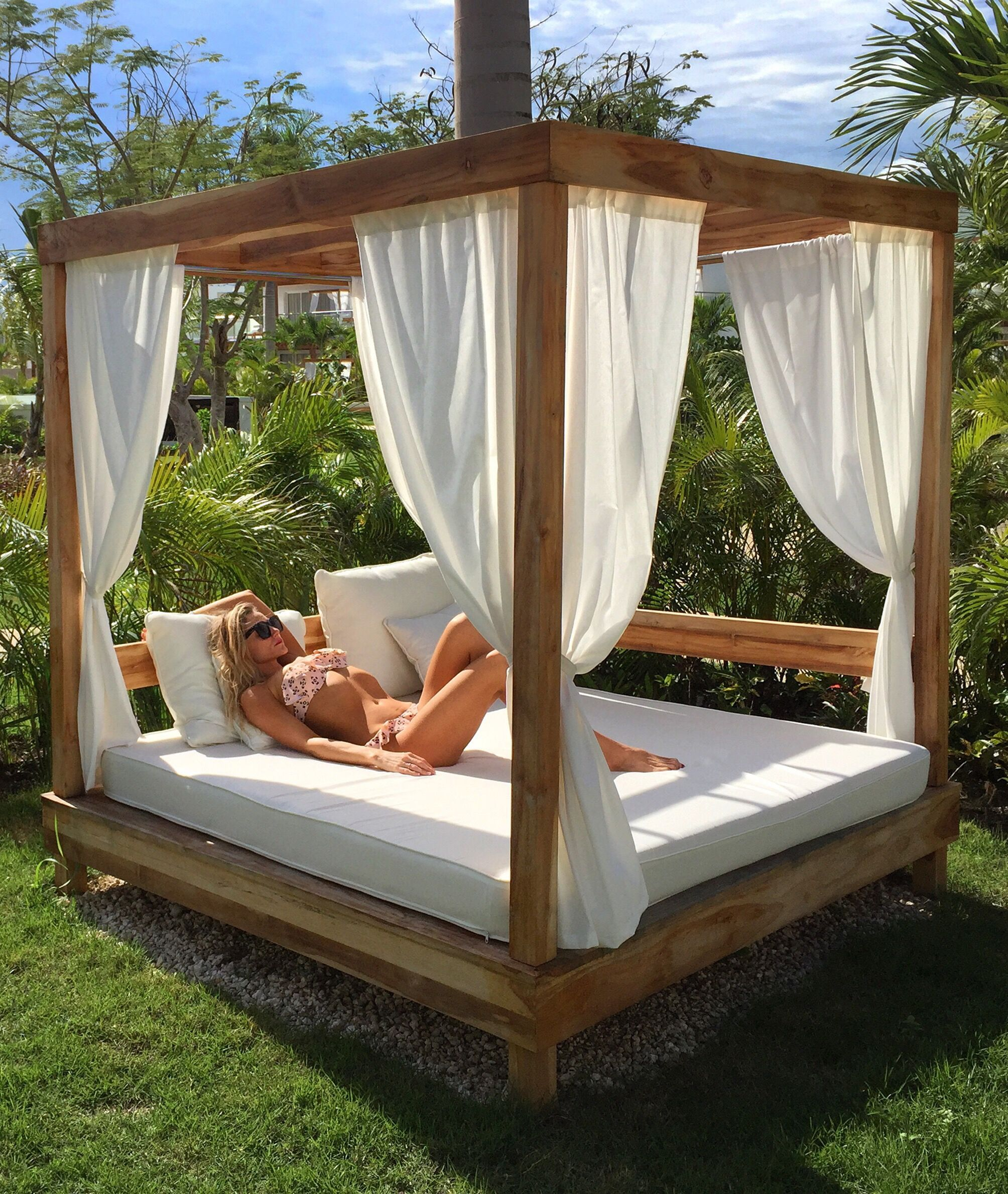 10 Comfy Outdoor Bedroom Design For Resting Place Ideas in