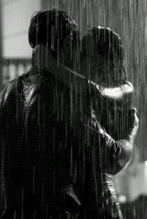 Pouring my wet kisses onto your burning lips in a universe of sparkled mist ...¥