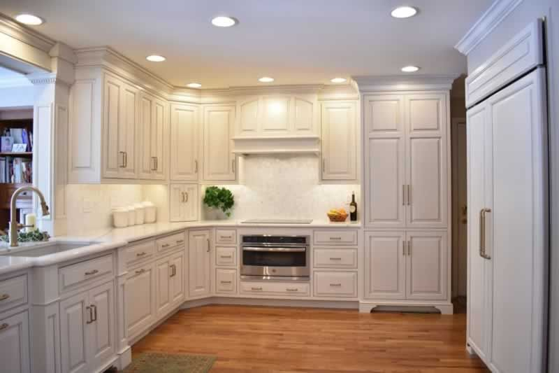 Choosing A Kitchen Company For Your Cabinet Needs Handyman Tips In 2020 Prefab Kitchen Cabinets Custom Kitchen Cabinets Kitchen Cabinet Door Styles