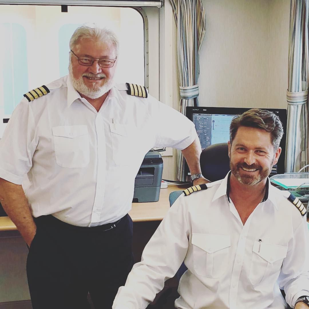 thomas lindegaard madsen - The Real Captain Thomas - Handing