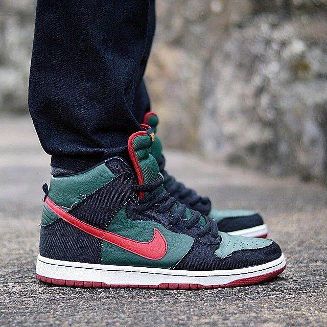 new styles 6f144 4c92b Resn x Nike Dunk High Pro SB