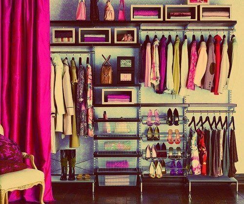 A great way to organize your clothes without a closet How to organize your clothes without a closet