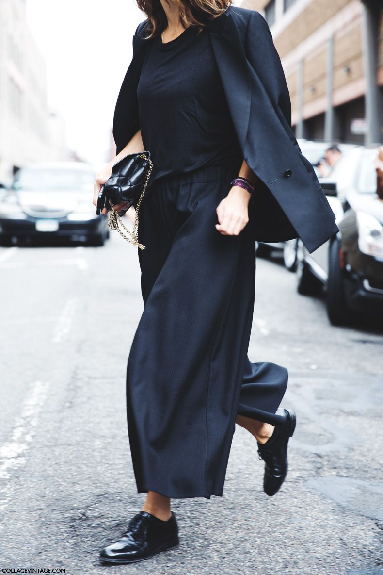 Black culottes, black top and over-the-shoulder blazer with black loafers. Lovely fall outfit!