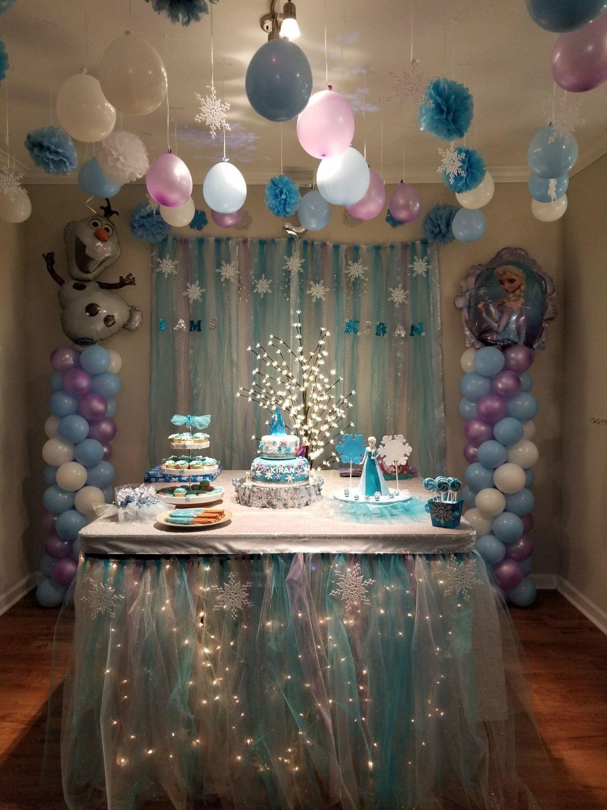Frozen party table Frozen theme party, Frozen birthday