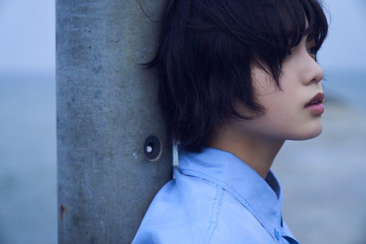平手友梨奈 欅坂46 ファースト写真集『21人の未完成』公式