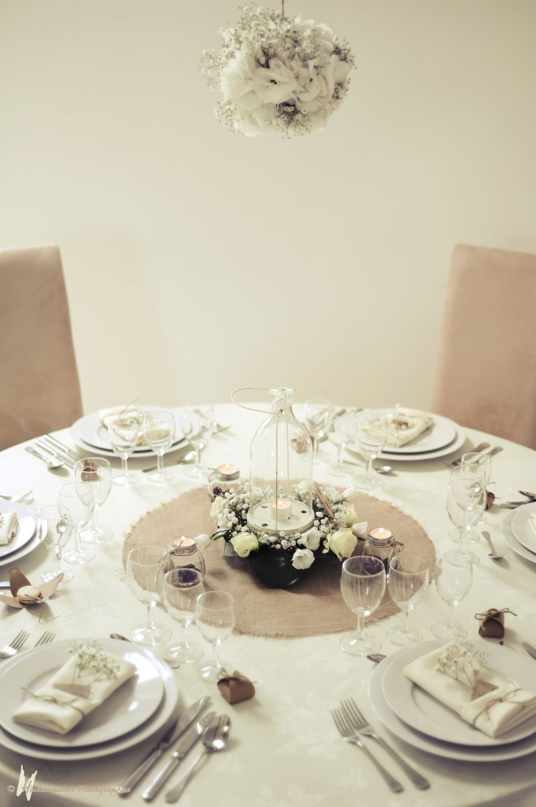 La décoration d\u0027une table ronde par Cyane Event design ainsi