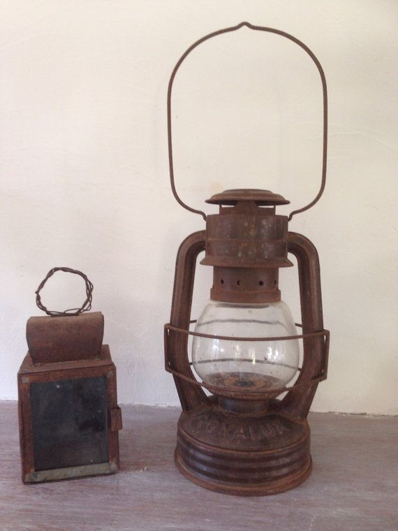 old lamp storm royalux oil lamp lampe tempete huile et lampes. Black Bedroom Furniture Sets. Home Design Ideas