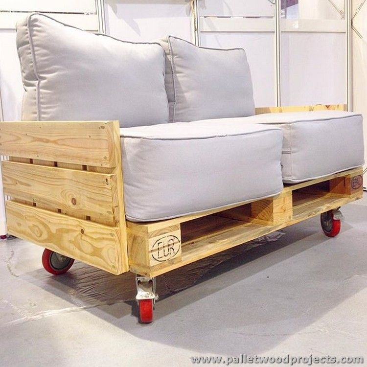 Great Raw Pallet Sofa With Wheels