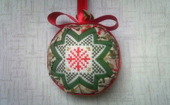 Red-Green-Gold snowflakes