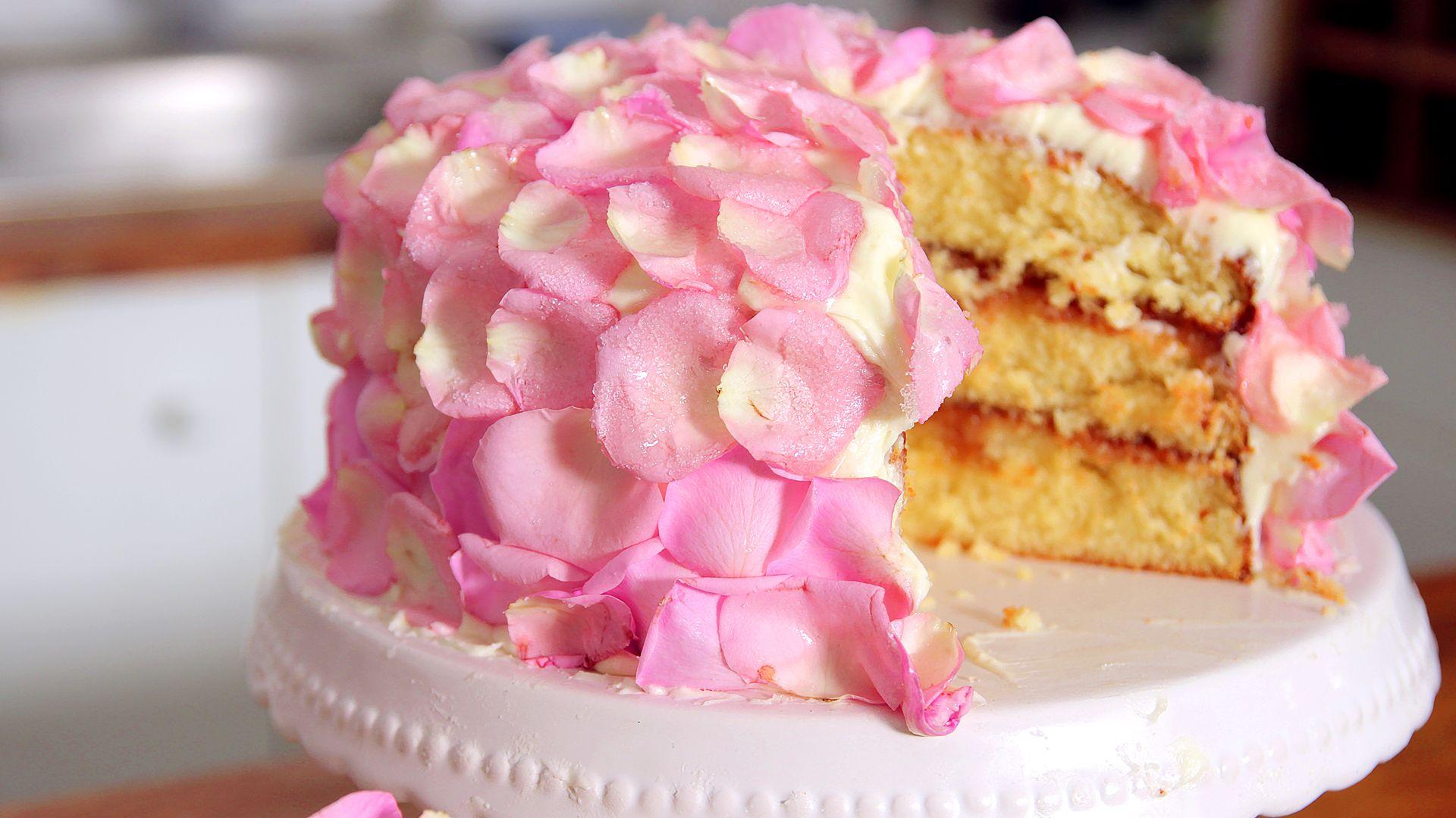 Rosen Karamell Torte Rezept als Back Video zum selber machen Ganz einfach Schritt für Schritt erklärt