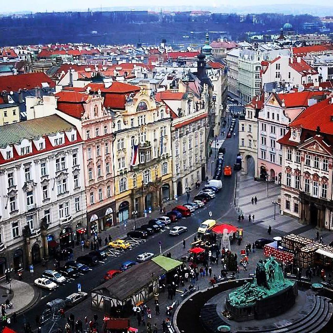 Old Town Square: view from the top #oldtownsquare #oldtownsquareprague #prague #praha #czech #czechrepublic #travel #studyabroad #nyuinprague #europe #square #redroof #easterneurope