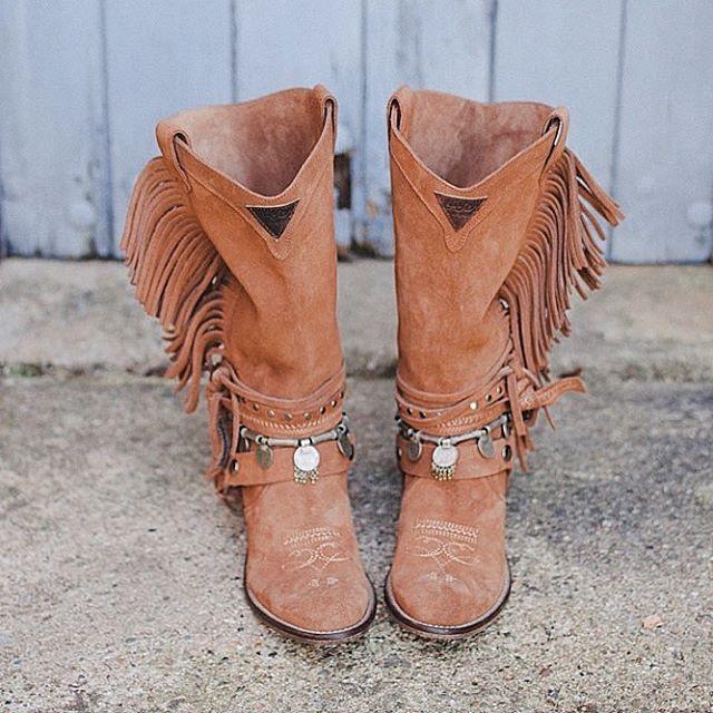 """2361ead808 HIGH WEST DELHI   •• Nuestras botas Camperas Altas de doble fleco y monedas  autènticas de India!! Get your WEST Boots at www.layerboots.com shop…"""""""