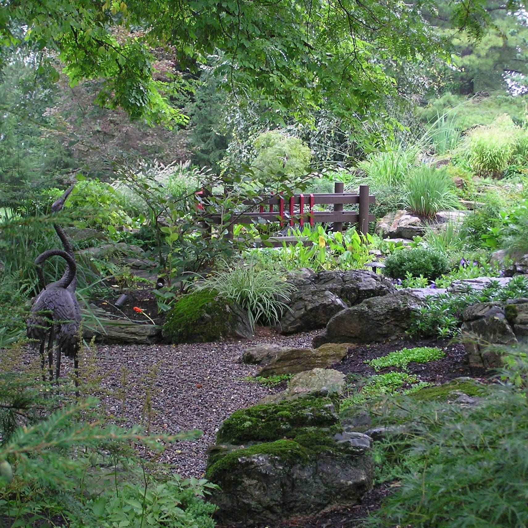 Japanese Style Garden Bridges Garden Bridge Http Wwwgardendesigninccom Japanese Gardens