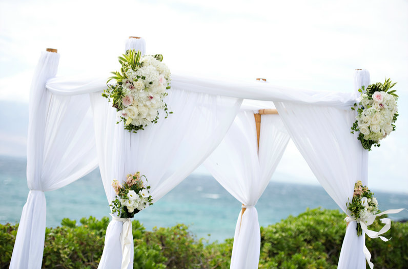 White Wedding Canopy Floral Arrangements & White Wedding Canopy Floral Arrangements | Canopies u0026 Arches ...