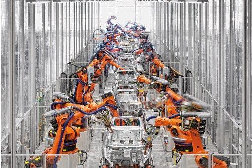 Di17 Kuka Robots In Automotive Factory Industrial Robots Robot