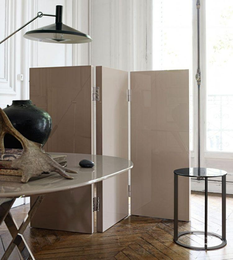 Trennwand Im Wohnzimmer Raumtrenner Aus Holz Für Eine - Trennwand wohnzimmer