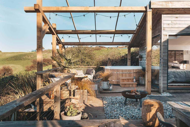 Charming beach hut retreat off the coast of Holywell Bay ... on Kingdom Outdoor Living id=61480