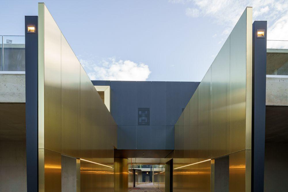 Bolzano Cemetery Elzinc Graphite Composite Elzinc Panel In 2020 Bolzano Paneling Cladding