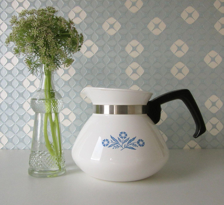 Vintage Coffee Pot with Lid made by Corning Ware with a Blue Corn Flower Design door Vantoen op Etsy
