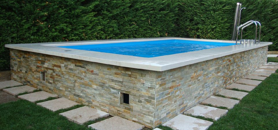 Materiali pregiati piscina dolcevita piscine seminterrate for Decorazioni piscina