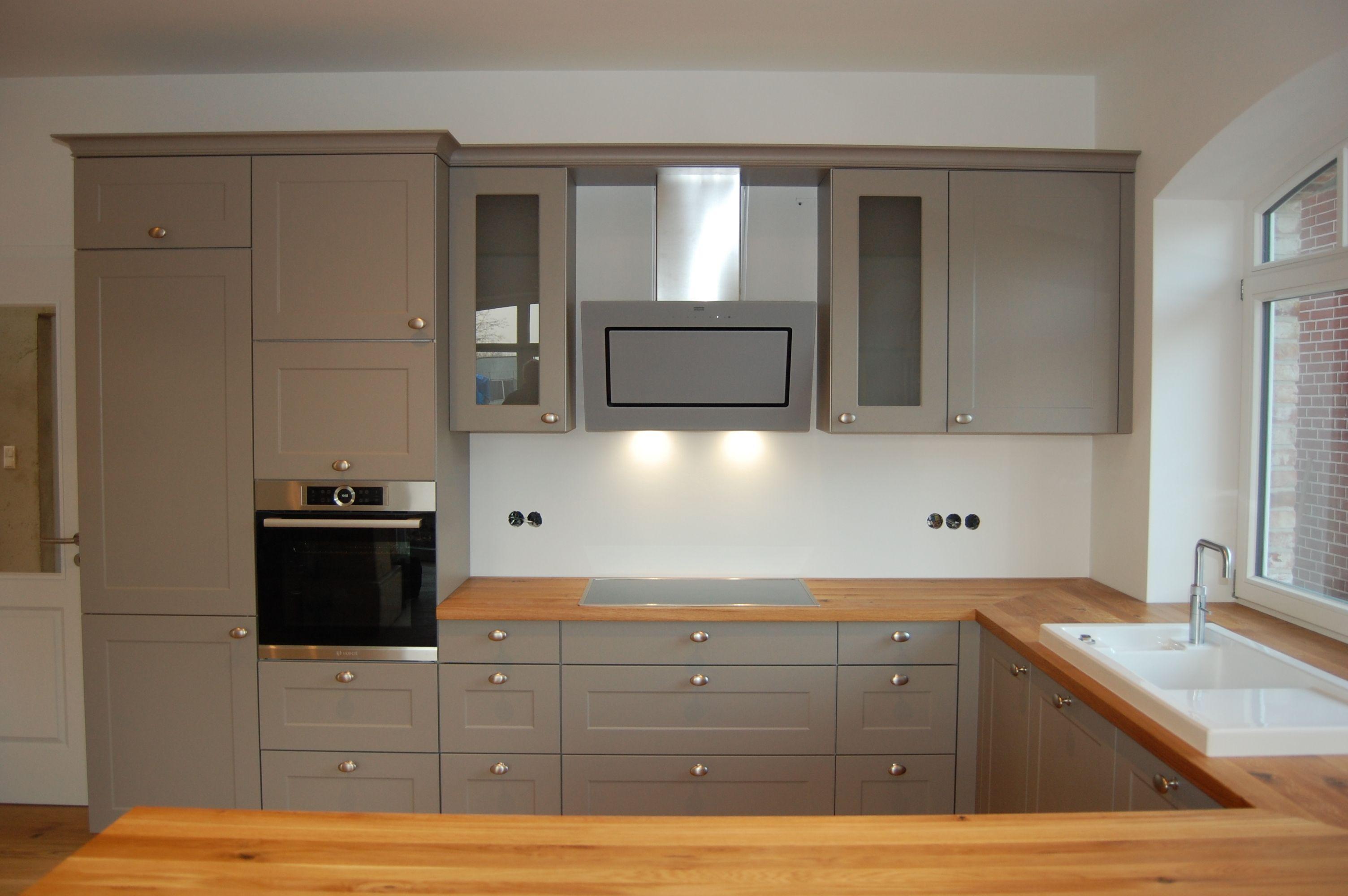 Einbauküche Im Modernen Landhausstil Mit Massivholzarbeitsplatten