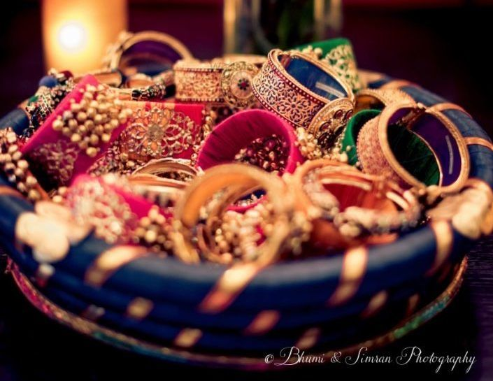 Suggested Gift For Wedding: 20 Beguilingly Beautiful Mehendi Favors That Every Bride