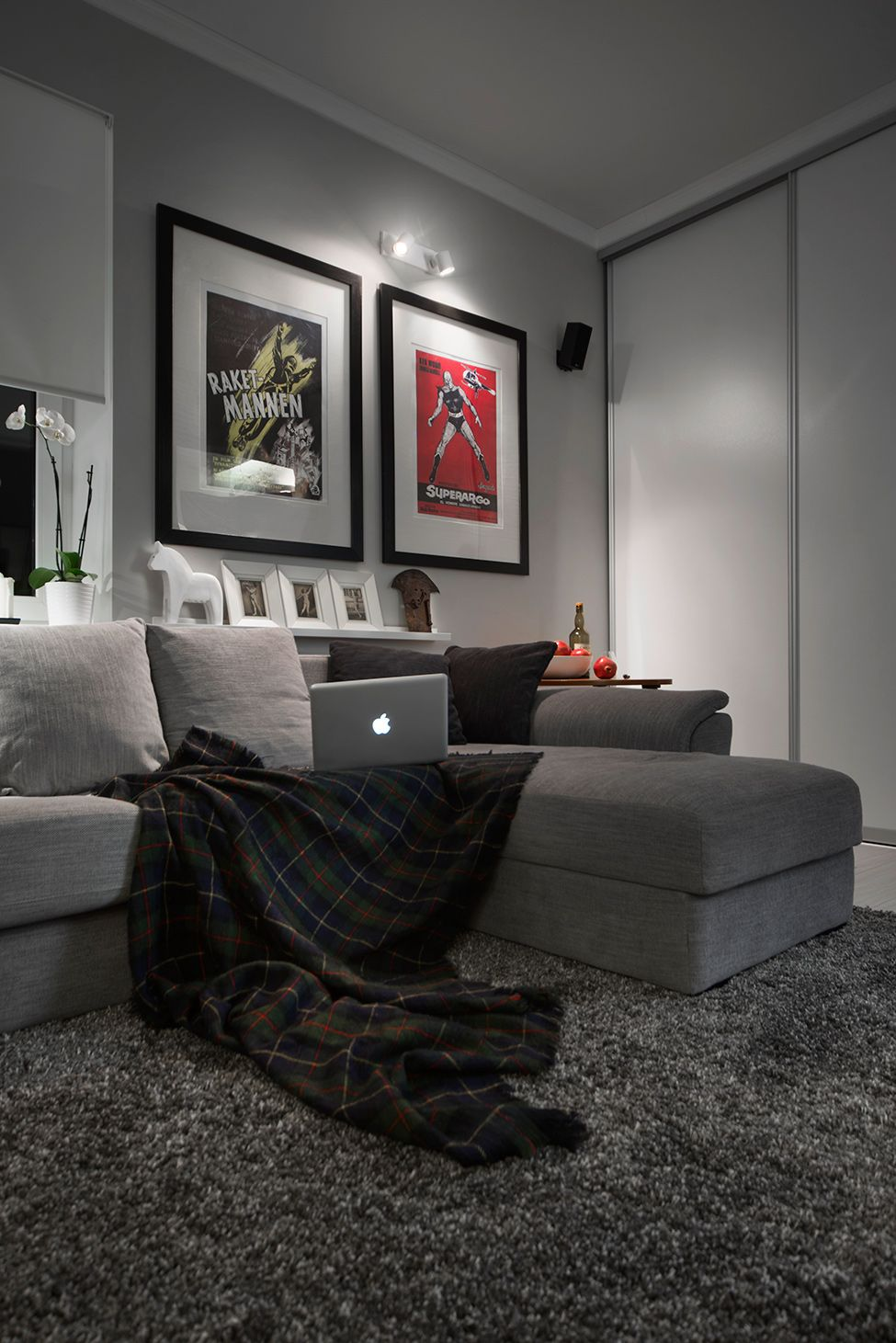 Compact Bachelor Haven In Moscow Defined By The Mix Of Modern With Retro Small Apartment Design Living Room Grey Apartment Design