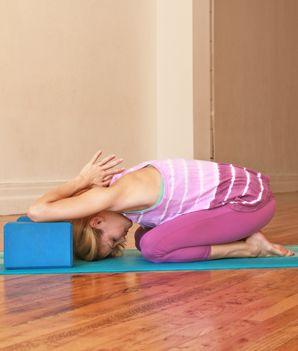the easy way to strike king dancer pose  dancer pose yoga