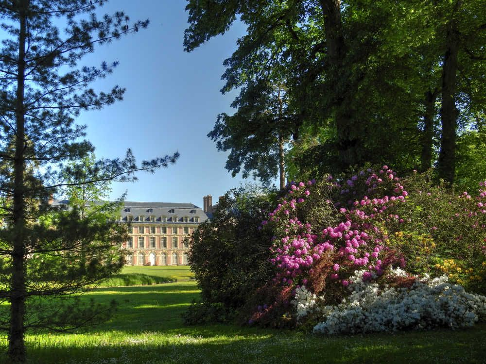Ch teau de fontainebleau jardin anglais et fleurs dans for Jardin anglais en france